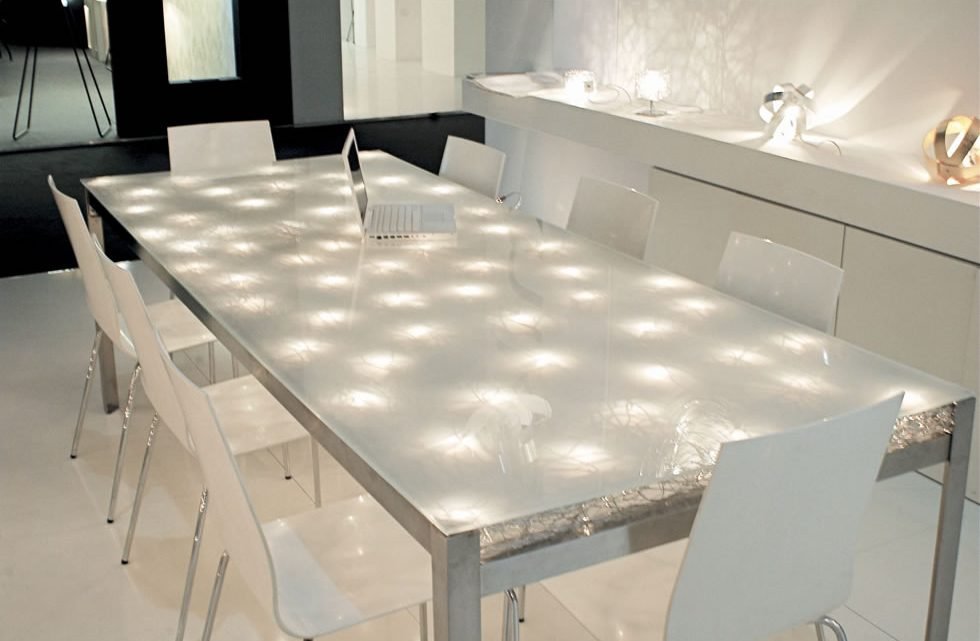 Come costruire un tavolo LED fai da te